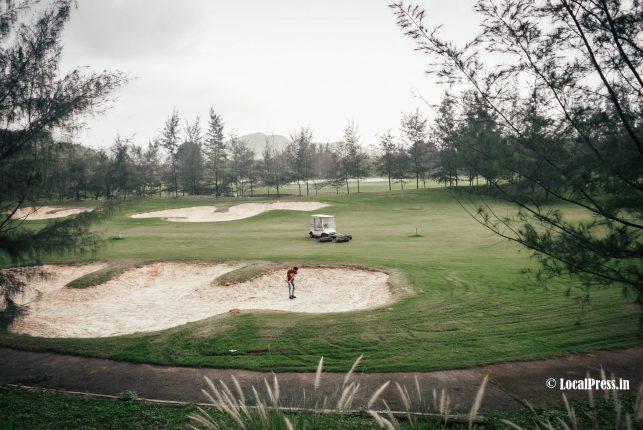 kharghar golf course, navi mumbai - the lone golfer