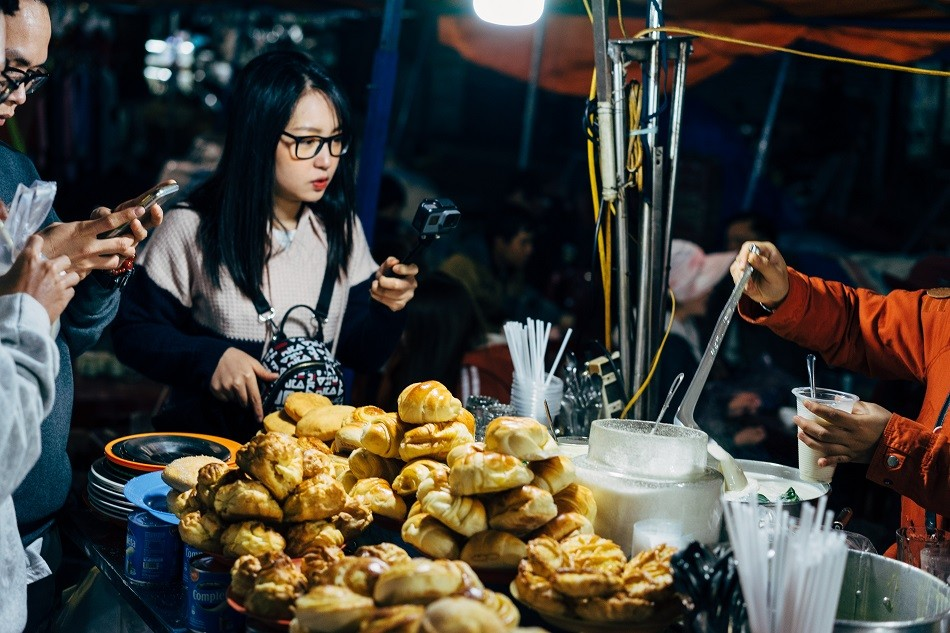 20 benefits or advantages of eating street food