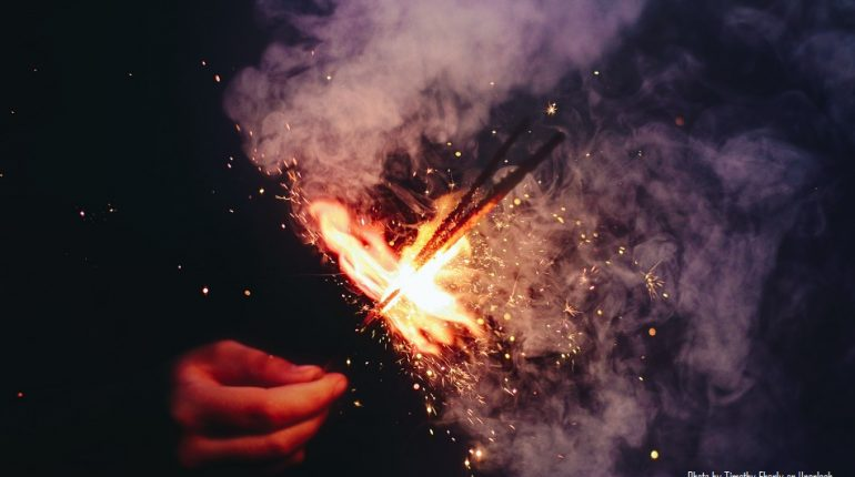 With no ban on firecrackers, Diwali could increase covid-19 cases in Maharashtra